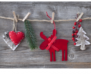 Photo of a holiday garland with a heart, moose & tree